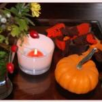 Herbst-Deko für Halloween mit Häkelhund-Duo
