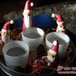 Zwischen Stroh, Tannenzapfen und Kerzen: Die Weihnachtsmänner