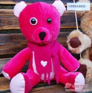 Auf Bestellung: pinkfarbener Teddy