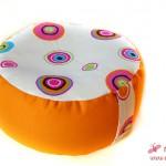 Das Meditations- und Yoga-Kissen in Orange mit Hilco-Stoff Princess Tulip