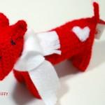 Fergus, der Häkelhund mit Herz, hat es in die Valentins-Empfehlungsliste geschafft.