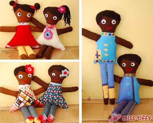 Puppen-Duos: Auf nach Haiti! Gute Reise!