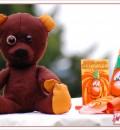 Auch ohne Halloween-Zubehör ein süßer Hingucker: Halloween-Party-Teddy
