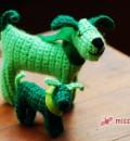 Häkelhund mit Nachwuchs in Grün
