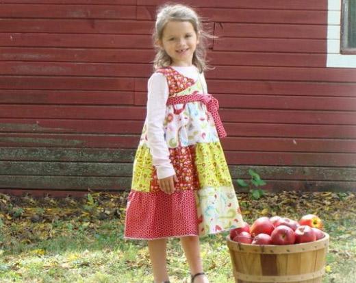 Kleidchen aus Stoffen der Love-Bird-Kollektion von My Mind's Eye for Riley Blake Designs