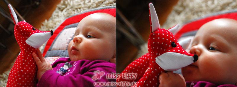 """""""Taugt zum Kuscheln"""" findet auch das Baby. :-)"""