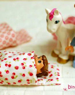 Anleitung Vorlage Schlafsack nähen passend für Lego Duplo Figuren und andere kleine Puppen