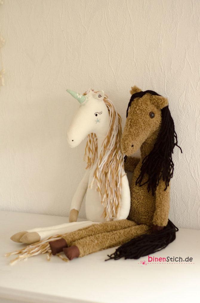 Stofftier Pferd nähen Einhorn Kuscheltier Anleitung